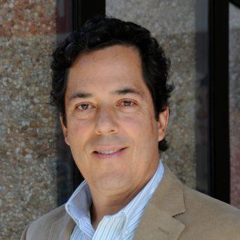 Dr Cesar Delgado